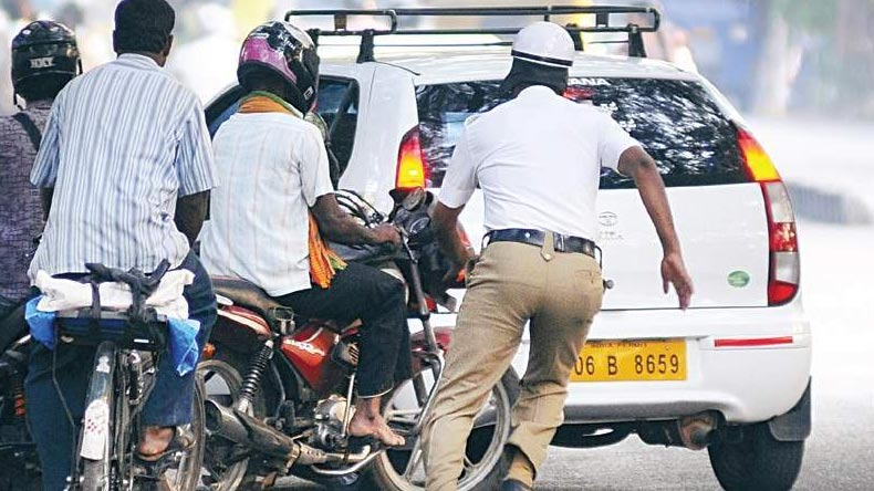 Trying to evade traffic cops for not wearing helmets, pregnant lady riding pillion dies after bike chase in Tamil Nadu