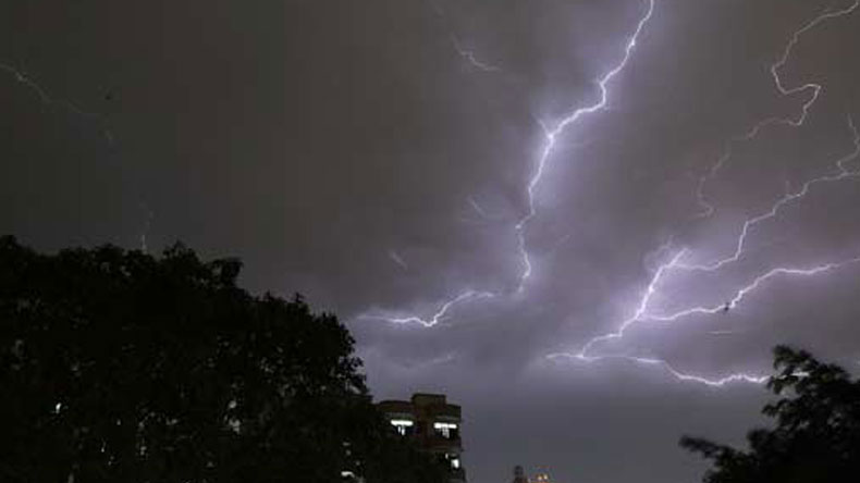 Met department predicts another thunder, dust storm in next 24 hours in several states