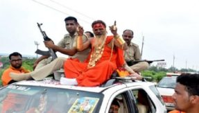 Kanwar Yatra: On his silver jubilee journey, with 20kg gold, 21 luxury cars, Golden Baba arrives in Ghaziabad