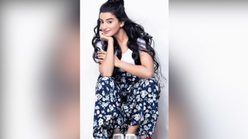 Akshara Singh's latest photo is proof why she is the sexiest Bhojpuri actress!