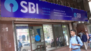 SBI, State bank of India, ATM withdrawal limit, SBI cuts ATM withdrawal limit to Rs 20000