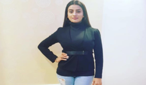 Akshara Singh's black outfit is too classy, see pic