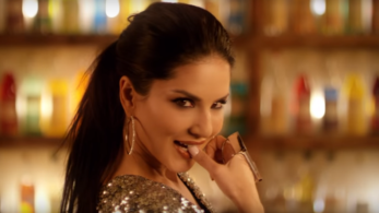 Sunny Leone's sexy moves in Hollywood Wak Nakhre song will