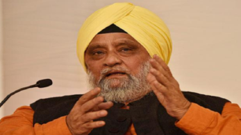 Former Test captain Bishan Singh Bedi says Kohli is visibly rough without Dhoni, captain needs him