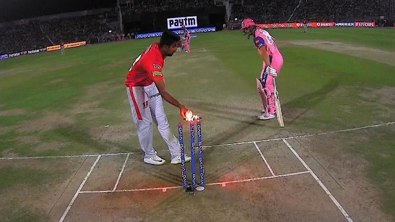 What is Mankad controversy?