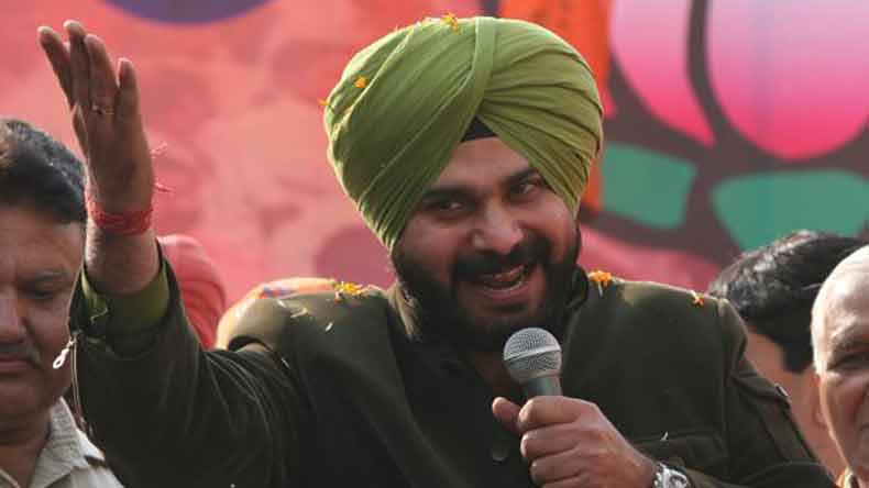 Case registered against Navjot Singh Sidhu for urging Muslims to vote for Congress, likely to face campaign ban