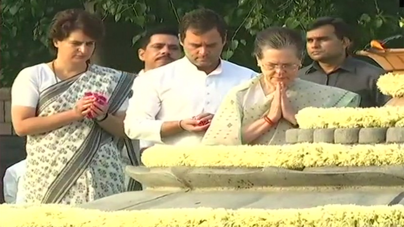 Delhi: Congress President Rahul Gandhi, UPA Chairperson Sonia Gandhi and Congress General Secretary for UP (East) Priyanka Gandhi Vadra pay tribute to former prime minister Rajiv   Gandhi on his death anniversary at Veer Bhumi on Tuesday, May 21, 2019. Robert Vadra is also present.