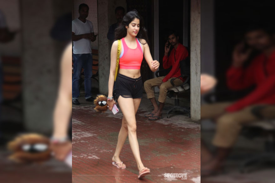 Have you seen Janhvi Kapoor's latest post-gym look? Check it here