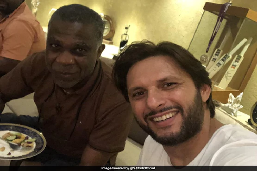 Shahid Afridi with Micheal Holding